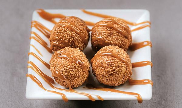 Słodkie kuleczki Zhimaqiu w sezamie